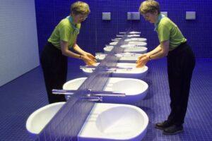 Cómo adecuar los baños públicos de las oficinas durante el Covid-19