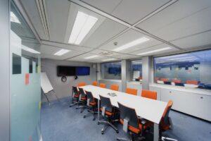 Razones para sustituir tubos fluorescentes por tubos LED en oficinas
