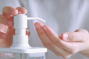 Los 8 mejores geles desinfectantes de manos para centros de trabajo