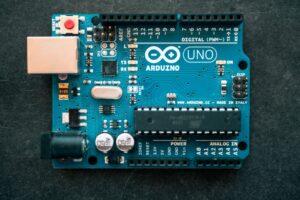 Mi experiencia con el Curso de Arduino aprende a programar desde cero de ProgramarFacil