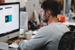 Cómo regular el uso de chats en las empresas